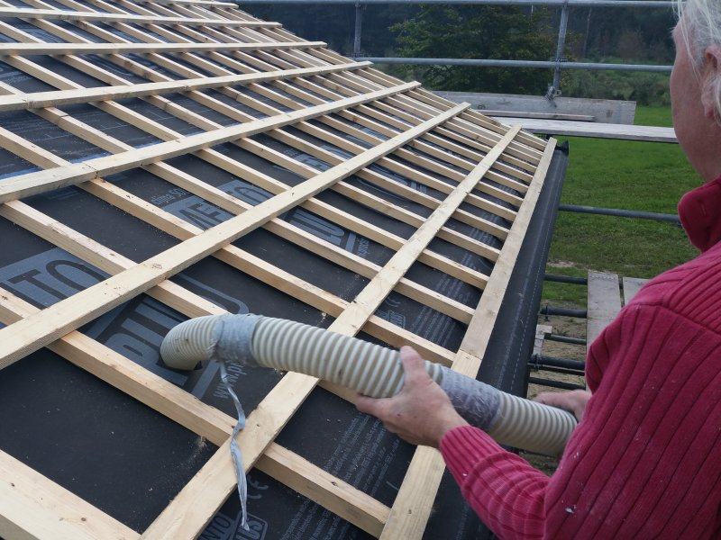 duurzaam bouwen en isoleren inblazen cellulose 800x600